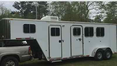 3 HORSE FEATHERLITE with TOILET, SHOWER, FRDIGE, MICRO ETC.