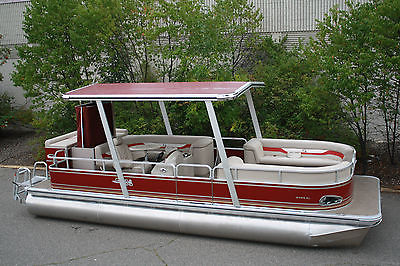 New 24 Dealer repo Pontoon boat