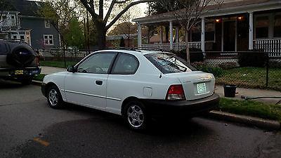 Hyundai : Accent GS Hatchback 3-Door 2002 hyundai accent gs hatchback 3 door 1.6 l