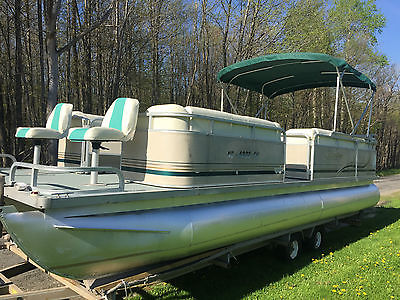 2002 Bentley Smoker Craft 24' Pontoon Boat  with 50 HP Mercury Outboard