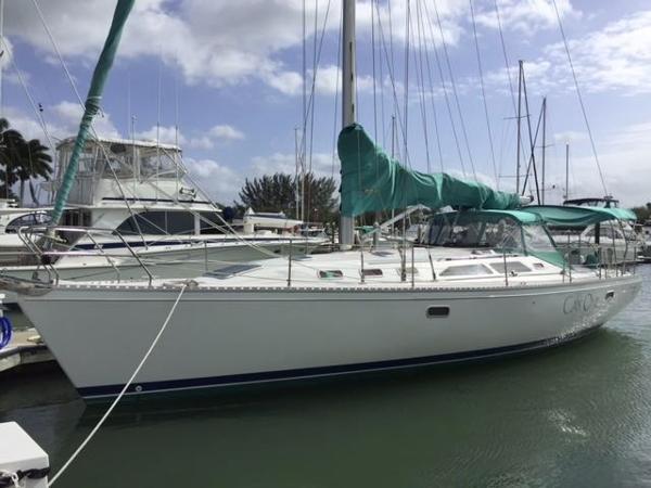 1995  Catalina Yachts  400 Winged Keel