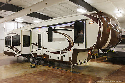 New 2015 365RL Rear Living Room Luxury 5th Fifth Wheel 4 slide Outs Never Used