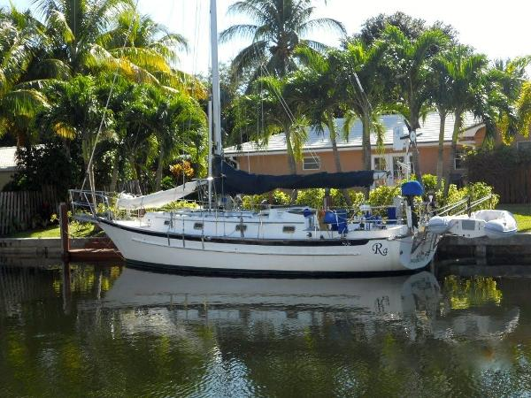 1990  Cabo Rico Northeast  34 Cutter