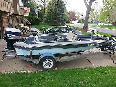 1980 Champion Bass Boat 18