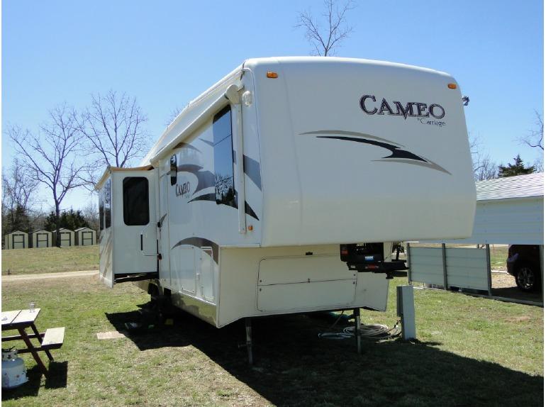 2009 Carriage Cameo 35SB3