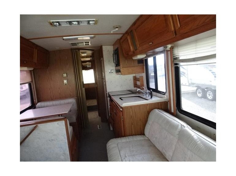 1990 Airstream Land Yacht 33