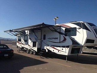 2013 Dutchmen Voltage 3950 42ft Fifth Wheel, 3 Slide Outs, Great Condition!