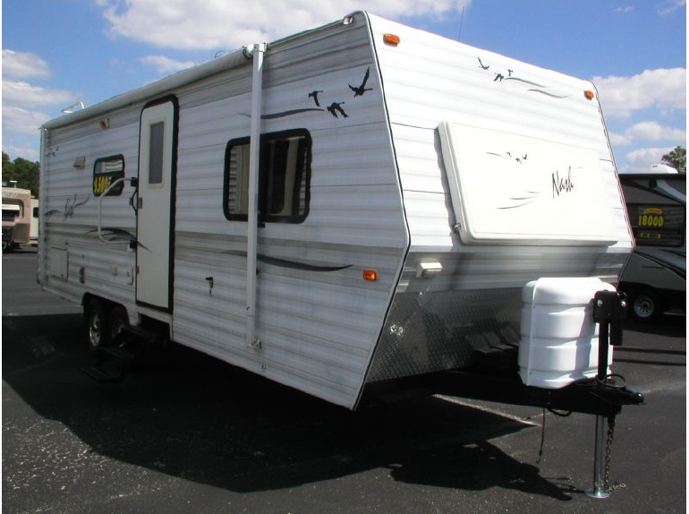 2005 Nash 25R  SLIDE-OUT  REAR BATHROOM   QUEEN BED  6008 POUNDS