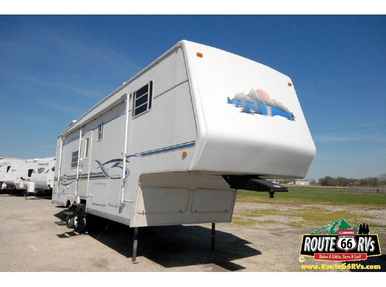 2002 Sunnybrook Mobile Scout 33RK
