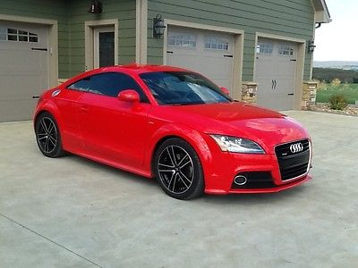 Audi : TT TT  2011 audi tt quattro coupe 2 door 2.0 l