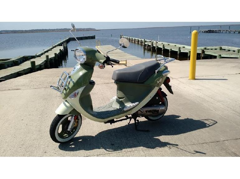 2014 Genuine Scooter Company Buddy INTERNATIONAL 50