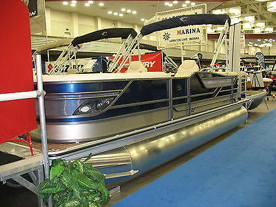 Tri-Toon Pontoon 23ft CREST CLASSIC LOADED 150 HP 4-Stroke Internet Special New