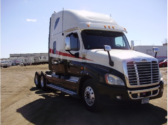 2012 Freightliner CA12564DC - CASCADIA