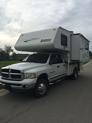 2006 Lance 1181 Long Bed Truck Camper