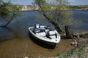1986 Bayliner Capri with 85 HP Force Outboard