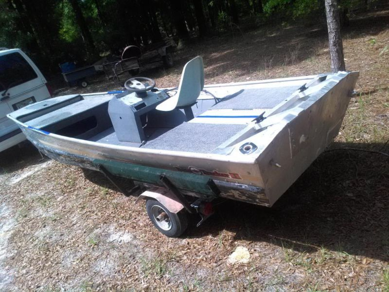 1984 Bass Tracker II 15' with aluminum float on trailer