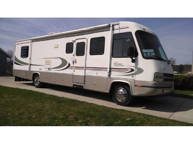1999 Georgie Boy Cruise Master 3515sld
