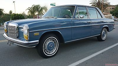 Mercedes-Benz : 200-Series 4 Door Sedan 70 mercedes 230 w 114 sedan 4 speed manual 250 c w 115
