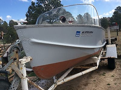 1968 Lone Star 14ft V-Hull Aluminum w/1968 Evinrude 55HP Outboard Motor