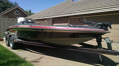 93' Astro Bass Boat 98' Mercury Outboard EFI 200hp Motor  ***LOWERED PRICE***