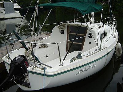 Classic Pearson 26 sailboat with new Nissan outboard, Chattanooga, TN