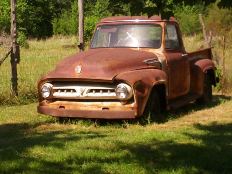 1953 FORD PICKUP NEEEDS RESTORE