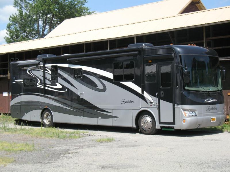 2010 Forest River Berkshire 40ft Diesel RV Low Miles