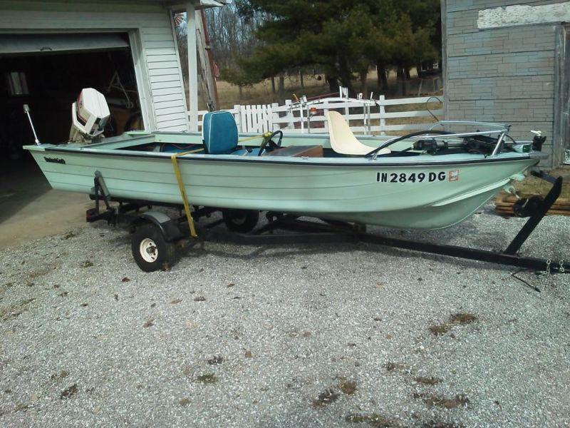 Smokercraft Bass Boat with Chrysler 20hp
