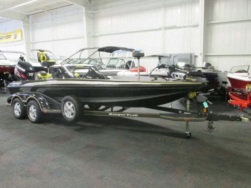 NICE 2009 Ranger Z21 Comanche DC w/Only 162 Engine Hours!
