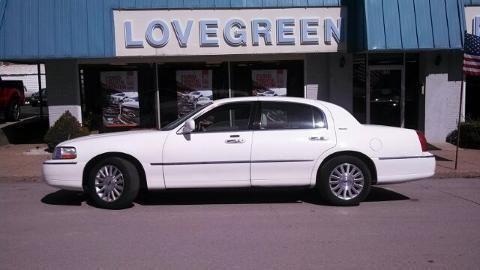 2004 LINCOLN TOWN CAR 4 DOOR SEDAN
