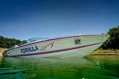 30ft Formula 830hp LIKE NEW CONDITION with 2014 trailer 39k n up grades !!!!!
