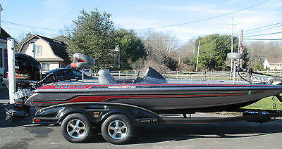 2013 Skeeter FX21 Bass Fishing Boat & 250VMax SHO 4-Stroke Yamaha Only 35 Hours!