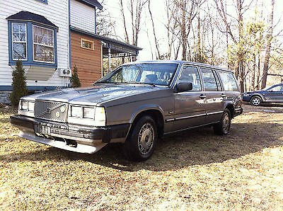 Volvo : 740 GLE Volvo 740GLE, the classic wagon! 1988, 288k mileage. Runs, For sale Cheap!