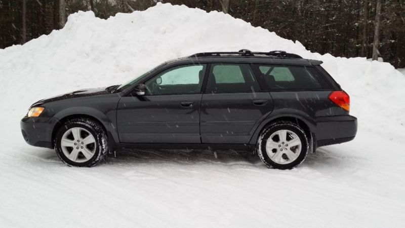 2007 Subaru Outback XT Fully Loaded.  Excellent inside out.