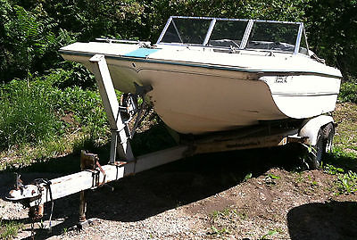 1971 Mark Twain Tri-Hull 18' boat w/95 Evenrude 115, trailer and extras