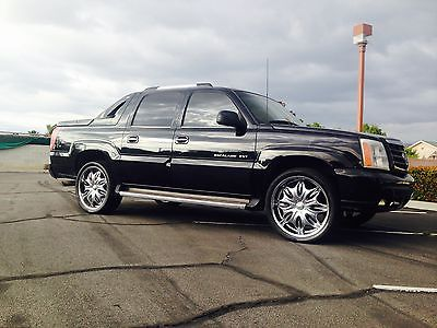 Cadillac : Escalade EXT 2002 cadillac escalade ext low miles 122 k in good condition nice truck