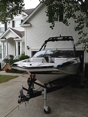 Axis A22 wakeboard boat with Surf Gate