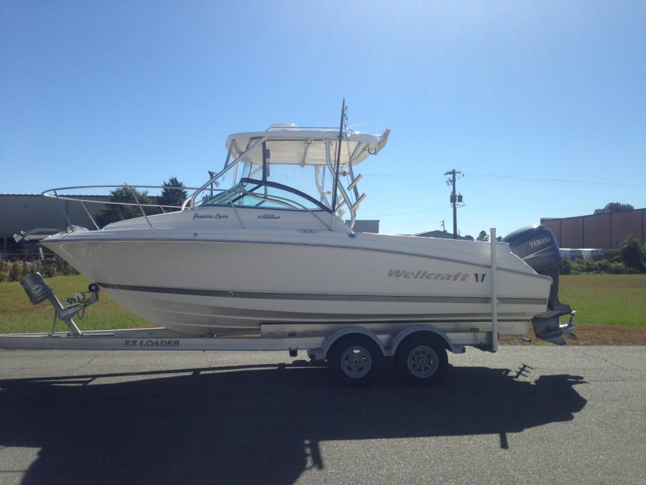 2008 Wellcraft 232 Coastal