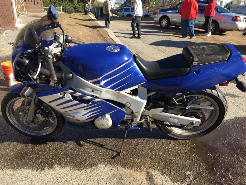1990 Yamaha FZR750