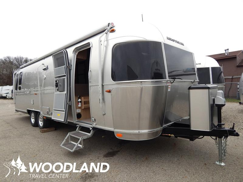 2017 Airstream Flying Cloud 30