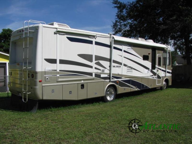 2006 Damon Intruder 374