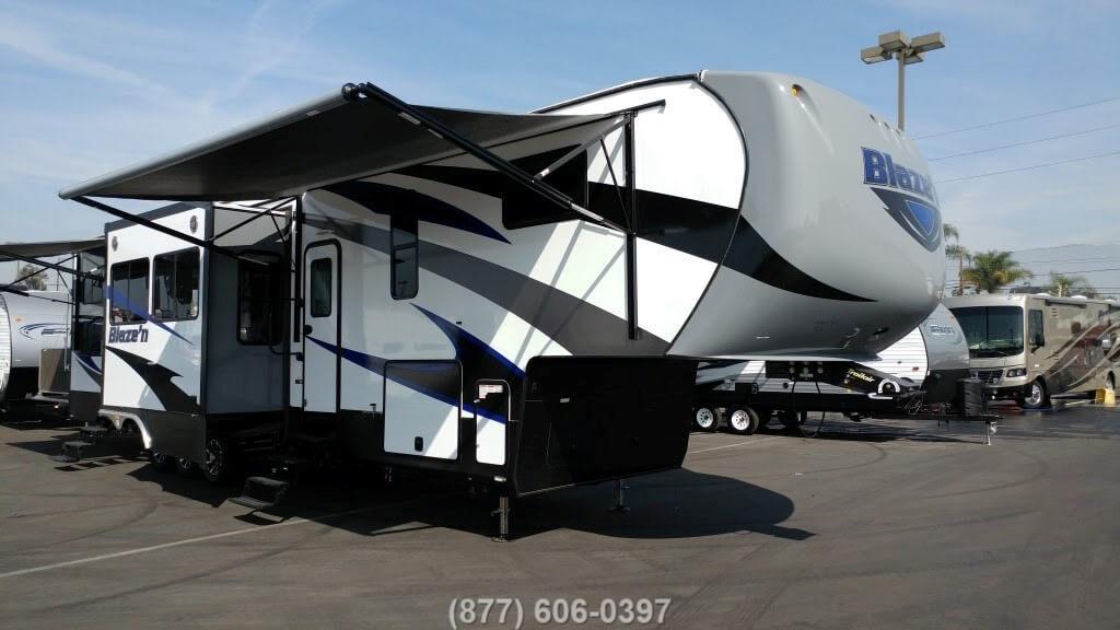 2017 Pacific Coachworks Blazen F375