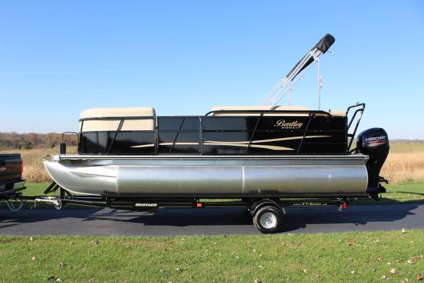 Bentley Pontoons Boats For Sale