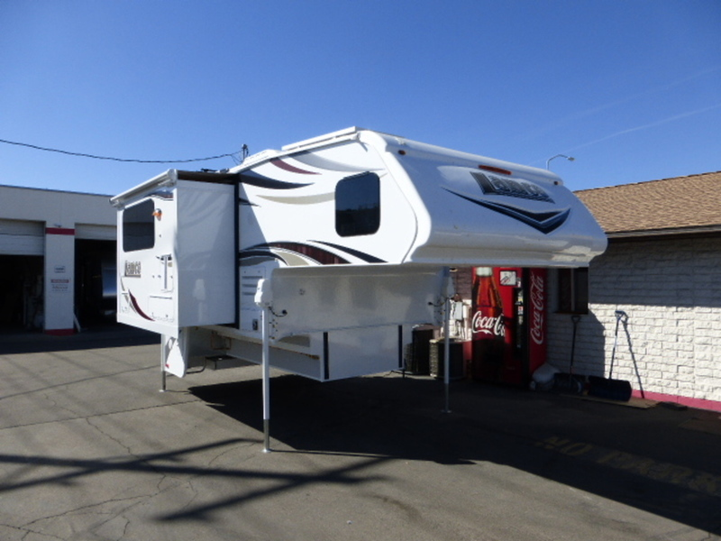 2018 Lance Truck Campers 1062