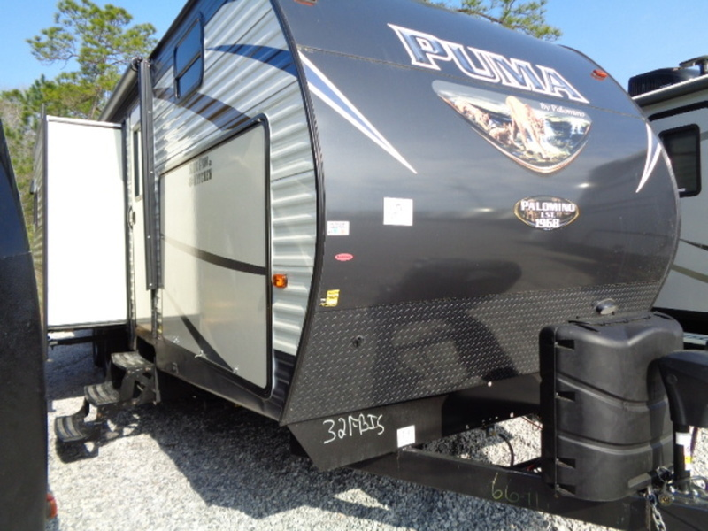 2017 Palomino Puma Travel Trailers 32-FBIS