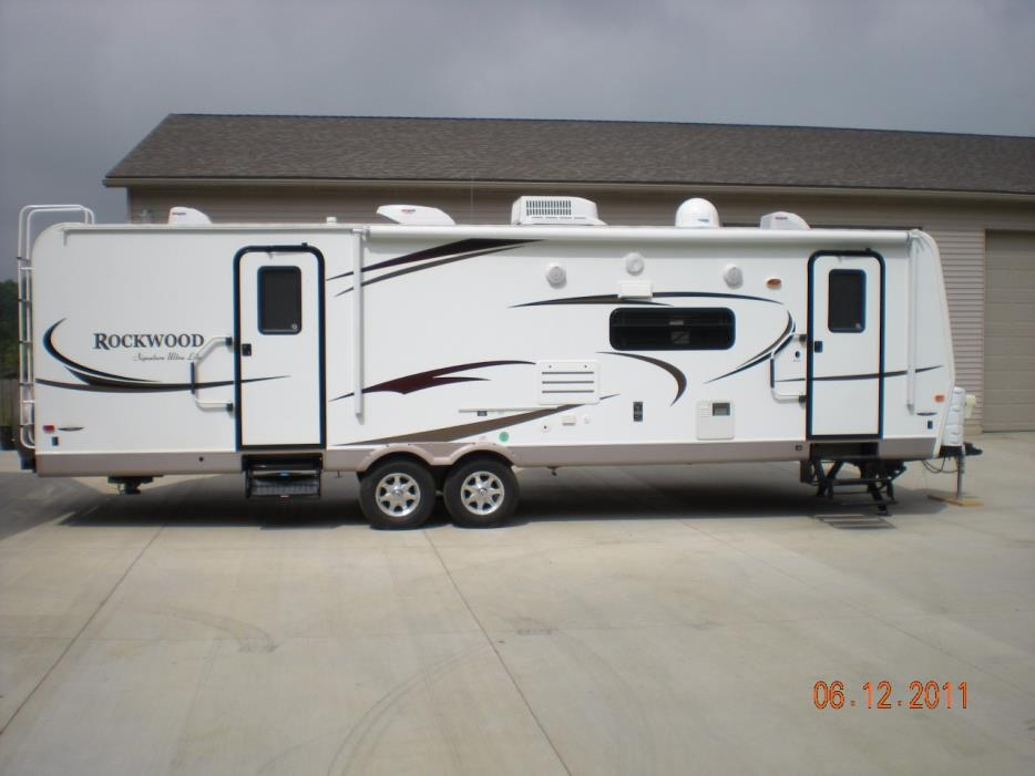 2011 Forest River ROCKWOOD SIGNATURE 8319SS