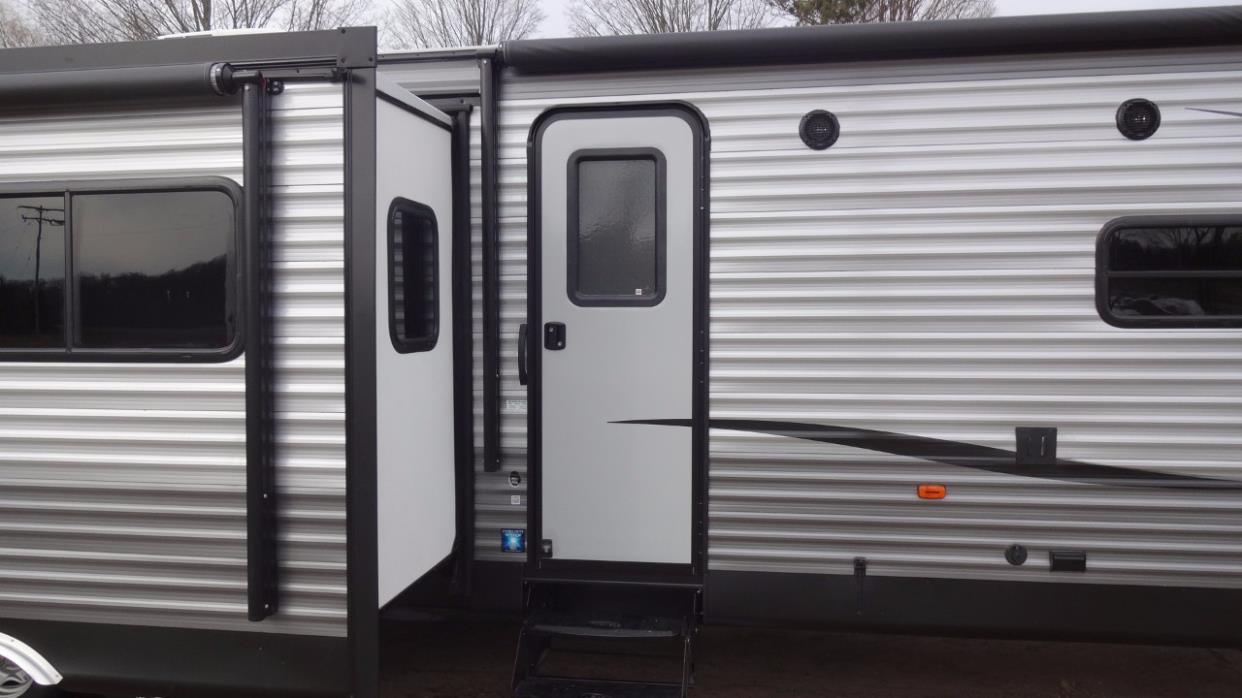 2017 Coachmen Catalina 333BHTSLE
