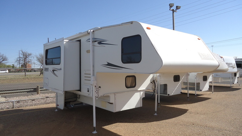 2007 Lance SLIDE IN TRUCK CAMPER 922