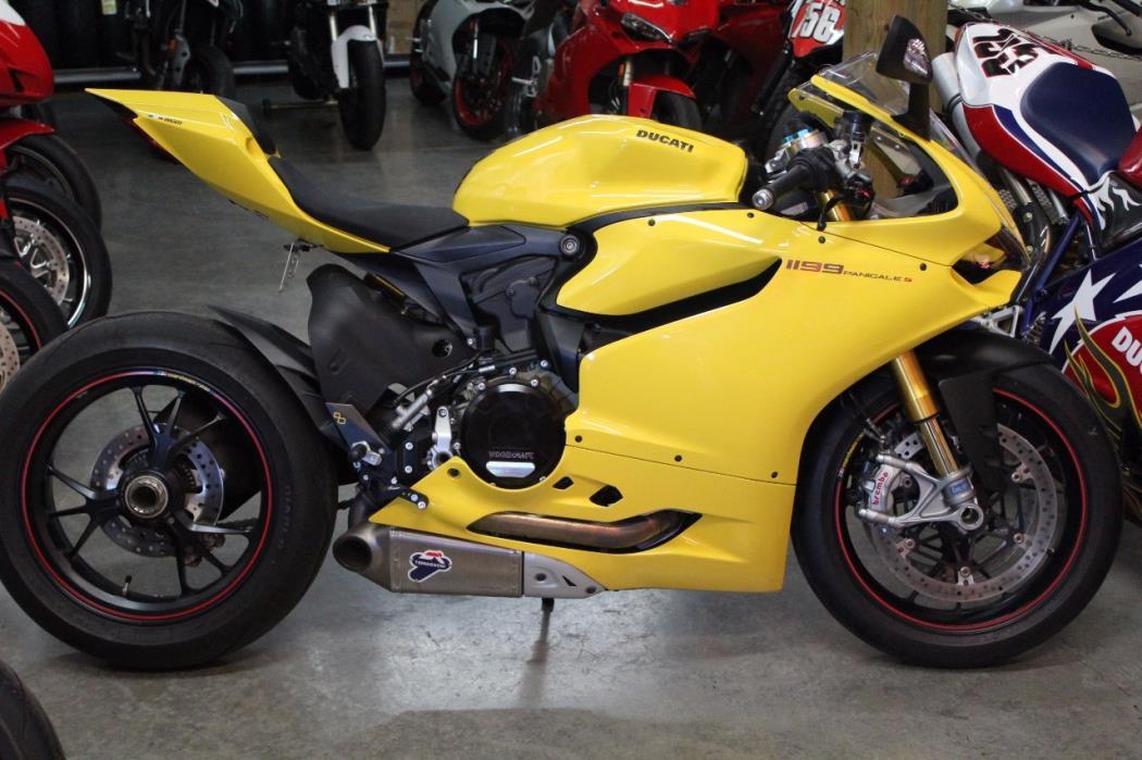 2014 Ducati 1199 S