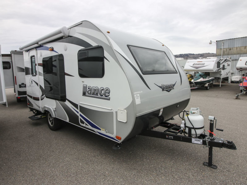 2017 Lance Travel Trailers 1475